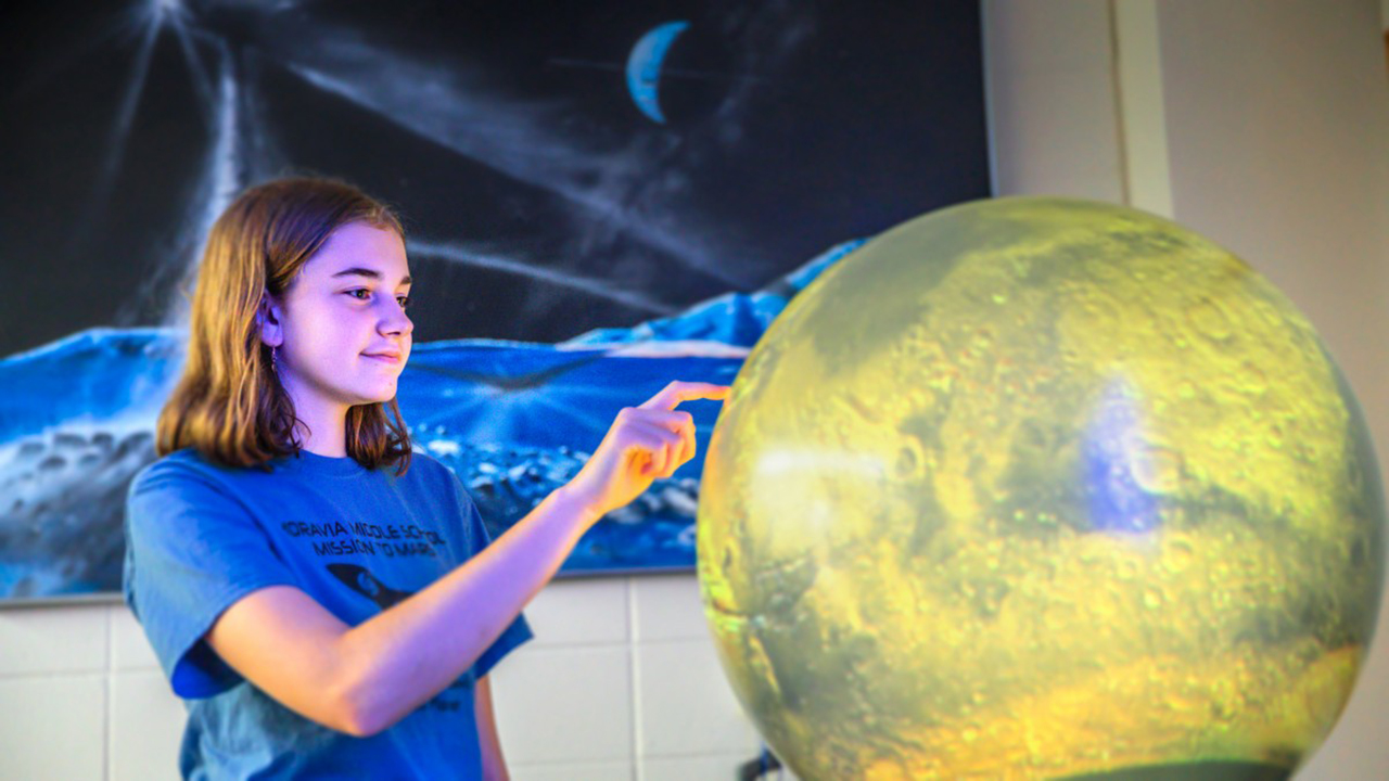 Taryn Langtry at Cornell's Spacecraft Planetary Imaging Facility.
